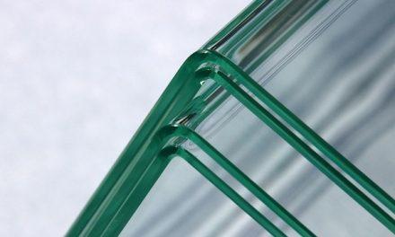 Inovatívna technológia ohýba sklenené tabule do pravého uhla