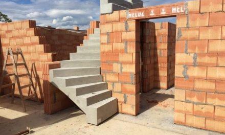Nákup murovacieho materiálu: Aké otázky sa pýtať predajcov v stavebninách?
