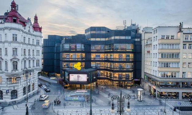 Známy pražský obchodný dom má nového majiteľa. Prejde kompletnou rekonštrukciou