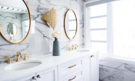 Najnovšie trendy v kúpeľniach: Farby vás oslovia, vane asi nie…