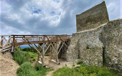 Šarišský hrad obnovujú ako v dávnom 13. storočí: Historická technika, ktorú dnes už nikde inde neuvidíte