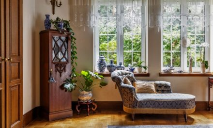 Rustikálny nábytok pre nadšencov dobového vzhľadu