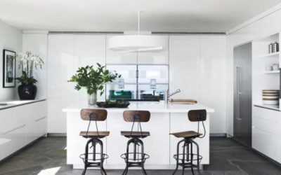 Barový pult v kuchyni je skvelá voľba. Prečo sa ho oplatí mať?