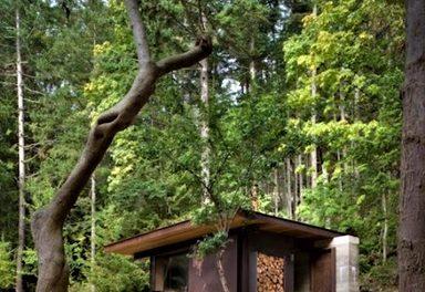 Víkendová chatka v modernom štýle: Je krásna a navyše má ekologickú dušu