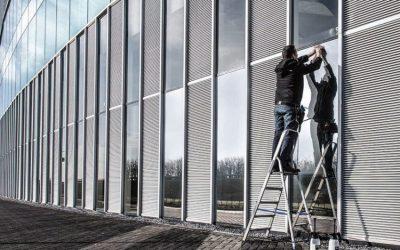 Funkčné fólie na sklo – neviditeľné riešenia viditeľných problémov