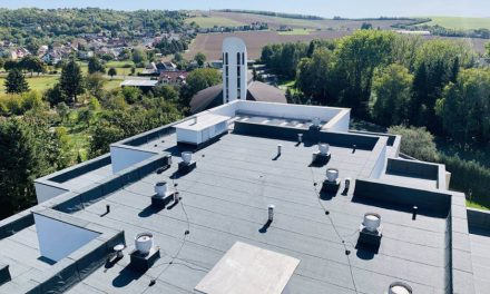 Zastavte zatekanie strechy – stavte na kvalitnú hydroizoláciu
