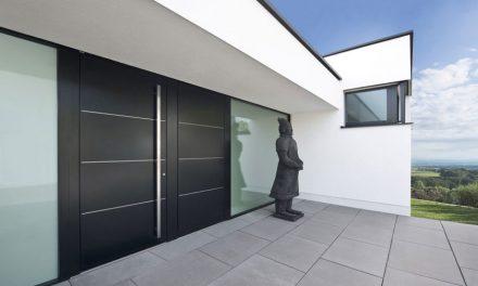 Dizajnové vchodové dvere podľa predstáv zákazníka