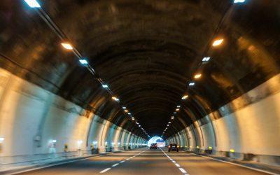Technologické vybavenie dopravných stavieb – nevyhnutné požiadavky na osvetlenie cestných tunelov