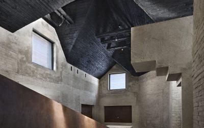 Architektúra má vyvolať emócie. Pamätník Jana Palacha odkazuje na jeho čin