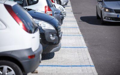 Do staromestskej rezidentskej parkovacej zóny 15 ulíc, do konca roka tak pribudne takmer 380 parkovacích miest pre obyvateľov