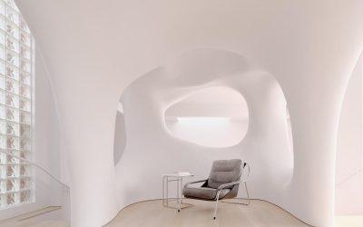 Bývanie ako na obláčiku. Modernizmus zjemnili oblé línie