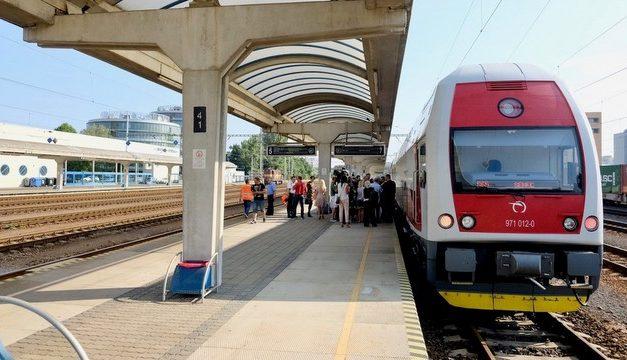 Projekt vysokorýchlostného železničného spojenia Bratislava-Košice by stál okolo 10 miliárd eur, tvrdia analytici