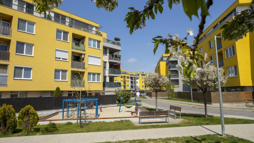 Nedostatok bývania v Bratislave sa prehlbuje. Ceny trojizbových bytov sa zvýšili